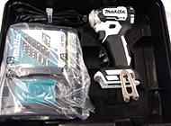 充電式インパクトドライバ 18V本体、ケース、充電器付